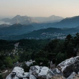 Вид з-під Тахтали на узбережжя в сторону Чіралі